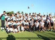 Mesatenista David Freitas apresenta tocha olímpica aos atletas do Ceará