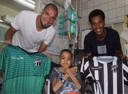 João Marcos e Éverson fazem visita surpresa a Wilas, um torcedor especial