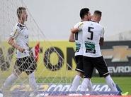Em jogo com paralisação, Ceará supera o Mogi Mirim com gols de Ricardinho