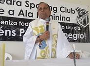 Pais são homenageados com missa na sede do Mais Querido