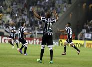No Castelão, Ceará vence Paysandu por 2 a 0 e torcida quebra recorde de público