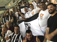 Pela primeira vez em um estádio, ex-moradores de rua assistem a jogo entre Ceará x Guarani