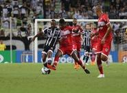 Nordestão: Com um a menos, Ceará empata contra o CRB e garante vaga nas semifinais