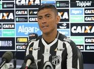 """Confirmado contra o Flu, Quixadá revela ansiedade por """"PV lotado"""" e vitória na estreia"""