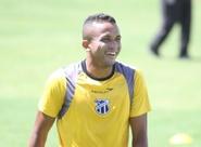"""""""Precisamos ser ousados para vencer fora"""", afirma Rogerinho"""