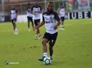 """Contra o Corinthians, Xavier completará 100 jogos vestindo a camisa do Ceará: """"É minha segunda pele"""""""