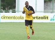 Com participação decisiva no gol da vitória, Sandro Manoel comemora
