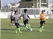Zagueiro Sandro confia em breve recuperação