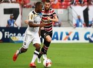Com erro grave da arbitragem, Ceará sofre gol no fim e perde