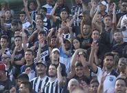 A quatro dias de decisão contra o Vasco, torcida lota treino em Porangabuçu