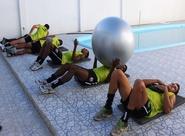 Elenco treina fisico no CAP