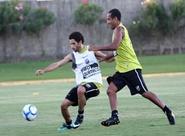 Estevam Soares relacionou 20 atletas para jogo contra Palmeiras