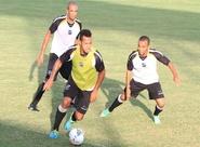 Sérgio Soares comandou treino coletivo nesta terça-feira