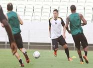 Técnico Sérgio Guedes comandou treino coletivo no Castelão