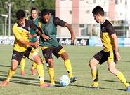 PC Gusmão comandou treino coletivo, no estádio Vovozão