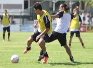 Alvinegros participaram de um treino coletivo neste domingo