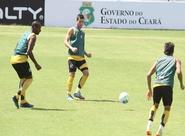 Antes da viagem, Alvinegro realizou último treino na capital