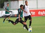 Sérgio Soares comandou treino tático no estádio Vovozão