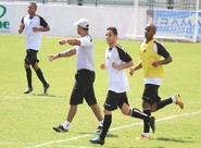 Sérgio Soares comandou um treino coletivo nesta manhã