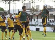 Ceará realiza último treino, antes de encarar a Chapecoense/SC