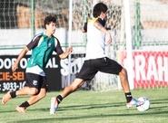 Sérgio Guedes comandou mais um treino técnico com o grupo