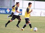 Alvinegros participaram de treino tático, no estádio Vovozão