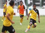 Técnico Sérgio Soares comandou treino tático com os alvinegros