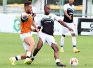 Geninho finalizou preparação do time com treino coletivo