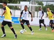 Alvinegros participaram de treino tático, em Porangabuçu