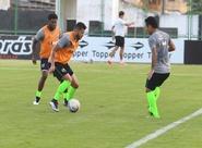 Ceará realiza último treino coletivo, antes de seguir viagem para Juazeiro/CE