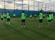 Técnico Givanildo Oliveira comandou treino coletivo no CT do Grêmio