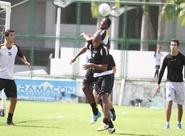 Jogadores do Ceará participaram de um treino técnico
