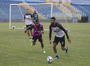 Em treino fechado, elenco finaliza ajustes para enfrentar o Santos, no Presidente Vargas
