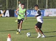 No Vovozão, elenco do Ceará se reapresenta e treina em dois períodos