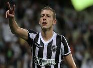"""""""Pra ganhar da gente tem que suar muito"""", garante Uillian Correia"""