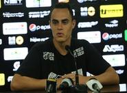 Em Porangabuçu, atacante Victor Rangel é apresentado à imprensa