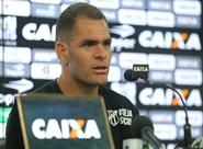 Wallace Pernambucano é apresentado à imprensa em Porangabuçu