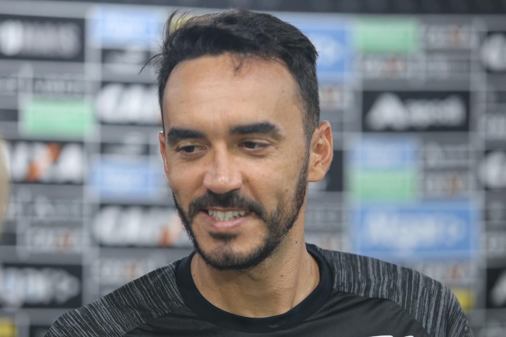 Capitão do time, o zagueiro Tiago Alves é um dos homens de confiança de Lisca para a defesa do Cerá.