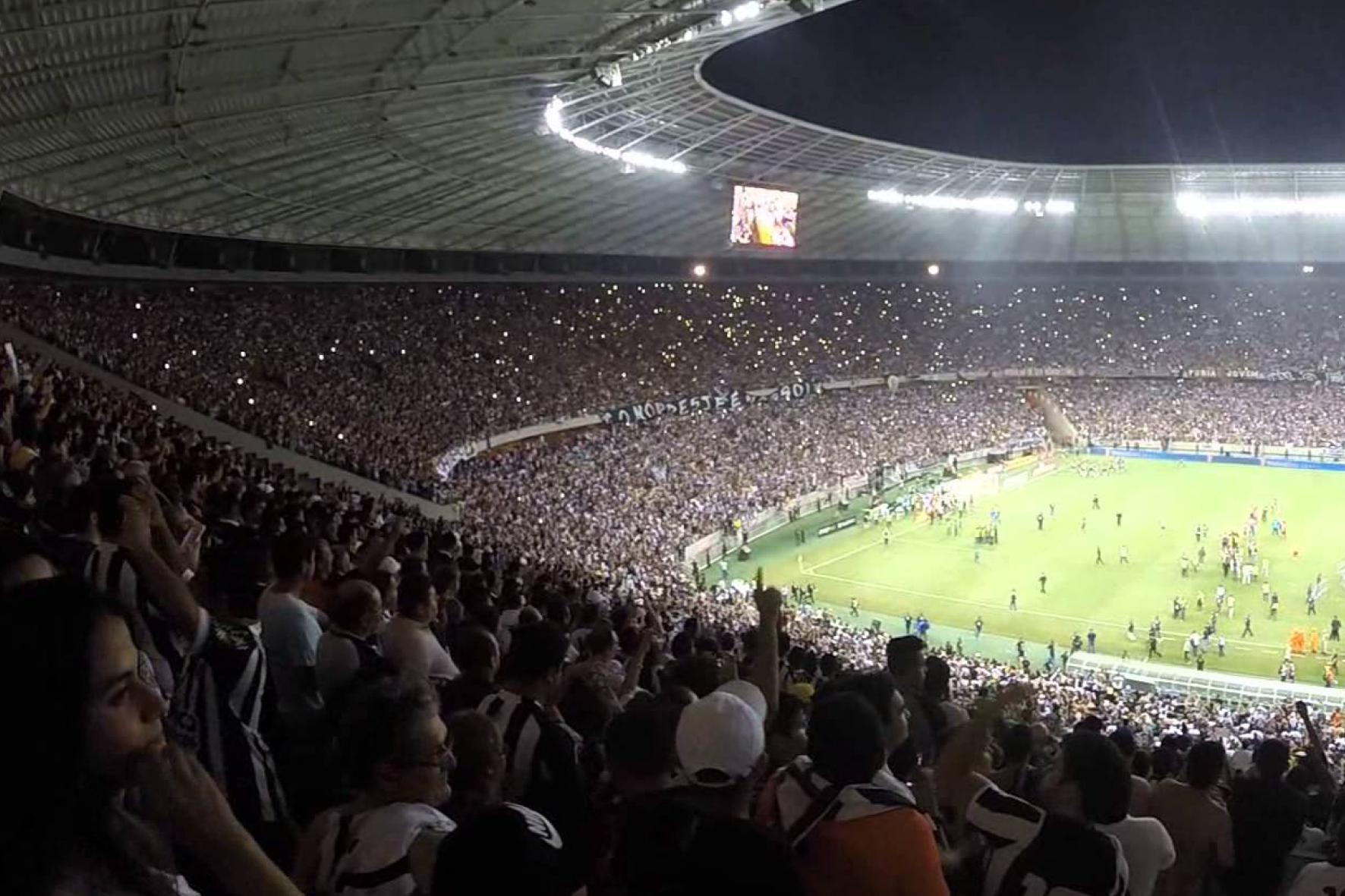 Resultado de imagem para torcida no estádio nordeste