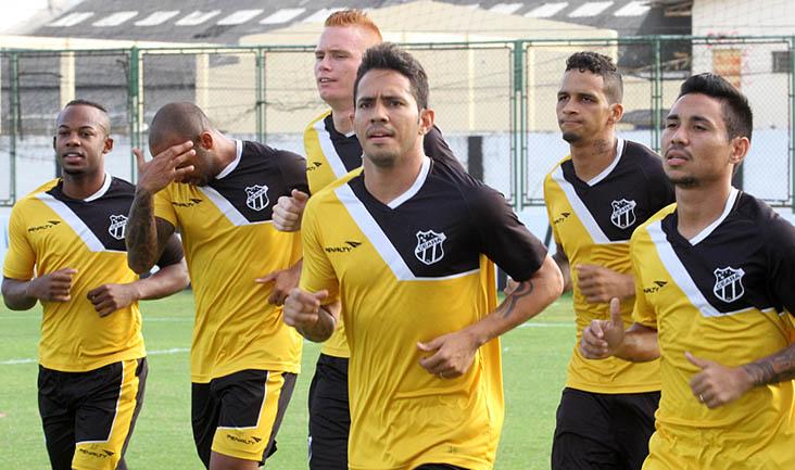 Quem jogou no Clássico-Rei de ontem, pela Copa do Nordeste, participou apenas de um treino regenerativo