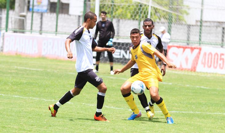 Quem nçao jogou diante do São Caetano participou de um treino coletivo contra o Sub-20