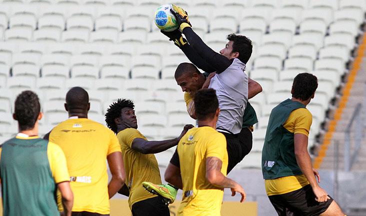 Atletas e comissão técnica aprimoraram o posicionamento, principalmente em jogadas de bola parada