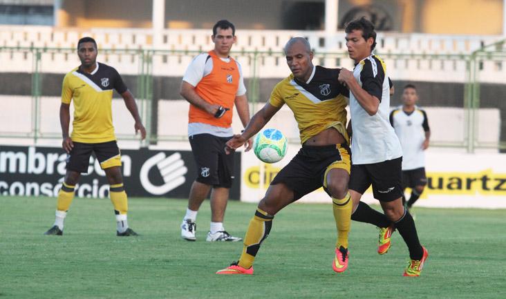 Quem não jogou ontem participou de um treino coletivo contra o time Sub-20