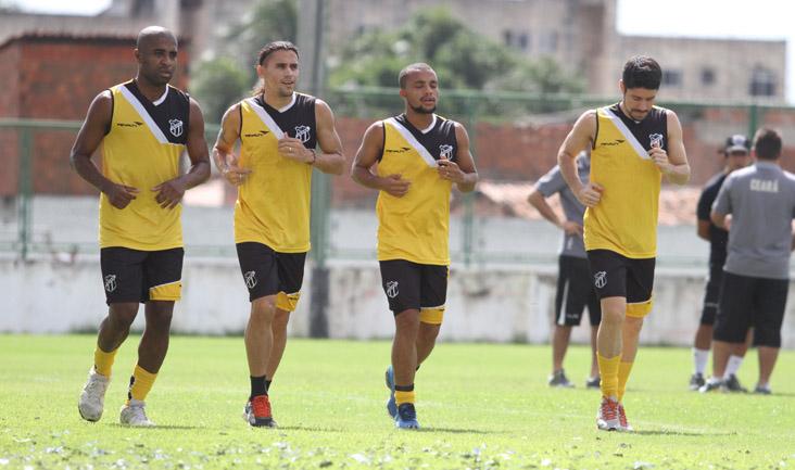 Os jogadores que atuaram sexta-feira participaram de treinos físicos