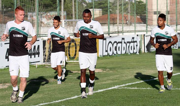 Alexandre Irineu comandou um trabalho regenerativo com os jogadores que atuaram no fim de semana