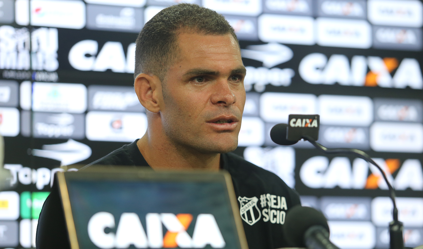 """Wallace Pernambucano: """"Pretendo dar meu melhor para a equipe do Ceará conquistar os seus objetivos""""."""
