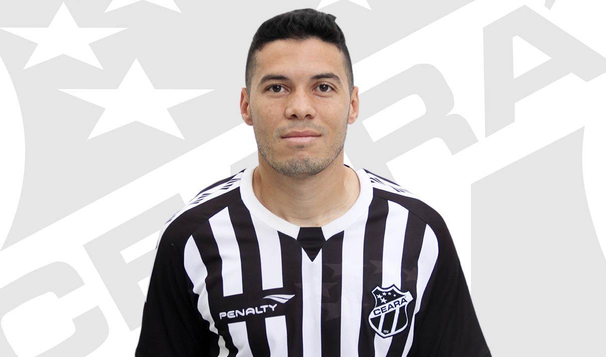 Xaves assinou contrato com o time cearense e já trabalhou em Porangabuçu